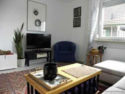 Wohnung und Terrasse - Einzug nur mit Koffer - auch Kurzzeit! Möblierte 2,5 ZW - 2, 5 room apartm...