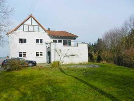 Schönes Wohnhaus mit ELW in Waldrandlage