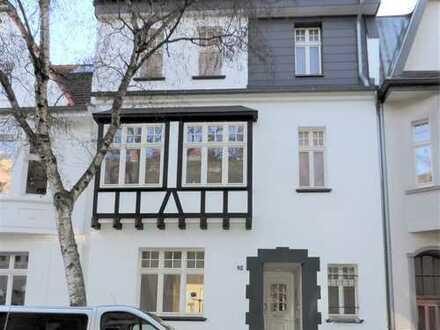 Schönes Combahnviertel - Elegante Dach-Maisonette ganz neu - Altbauflair und Supersonnendachterrasse