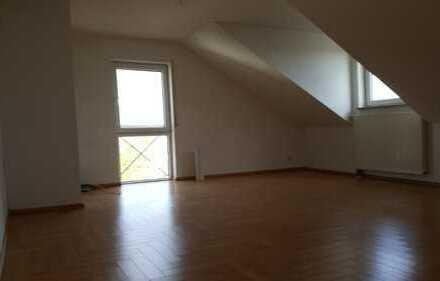 2-Zimmer-Dachgeschosswohnung mit EBK in Rödermark-Urberach