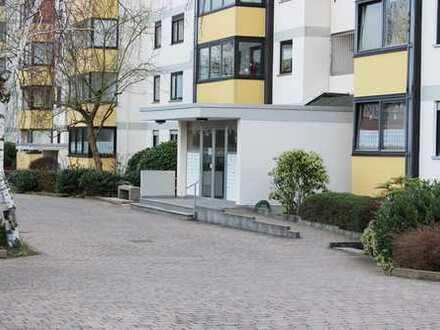 Neustadt: Barrierefreie 3 ZKB Wohnung mit Loggia im 10. Stockwerk