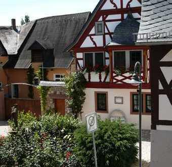 Charmante Luxuswohnung mit Balkon in historischem Anwesen