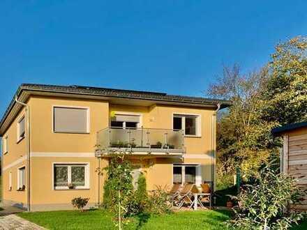 Schöne, helle 3- R. Wohnung in ruhiger Lage mit Balkon und Gartennutzung