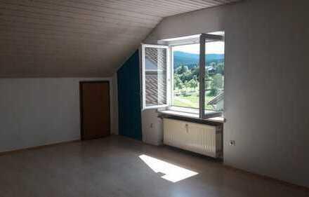 Preiswerte, sanierte 4-Zimmer-Dachgeschosswohnung zur Miete in Zwiesel