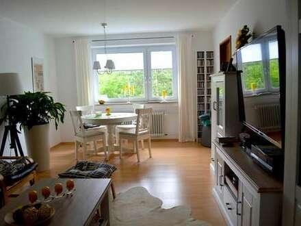 SCHMUCKSTÜCK | Exklusiv renovierte 2-Zimmer-Wohnung mit Ausblick ins Grüne - TAROS Immobilien