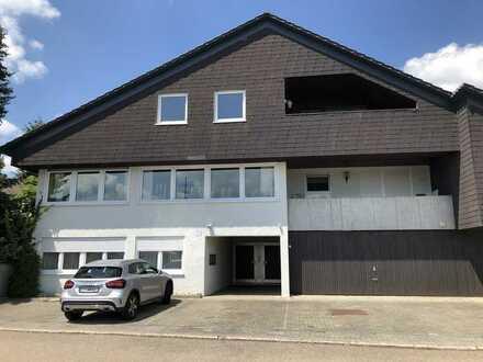 Geräumige 2,5 Zimmer Dachgeschosswohnung mit toller Aussicht