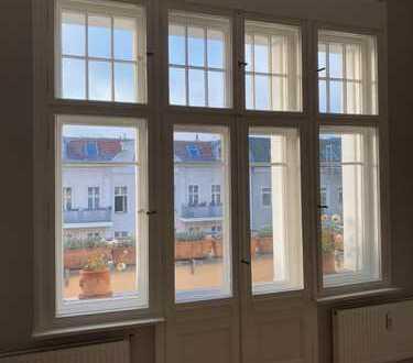 Sehr helle, top sanierte Altbauwohnung in Wilmersdorf nahe Ku'damm