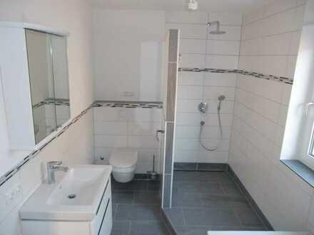 Vollständig renovierte 2-Raum-EG-Wohnung mit Terasse in Waltenhofen