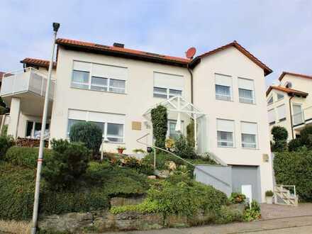 Einfamilienhaus in Aussichtslage - Balkon- Garage - Stellplatz- Granitböden - Garten -