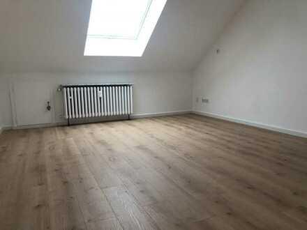 DHH Rumphorst 152qm, frisch renoviert, neuer Boden, mit perfektem Home-Office