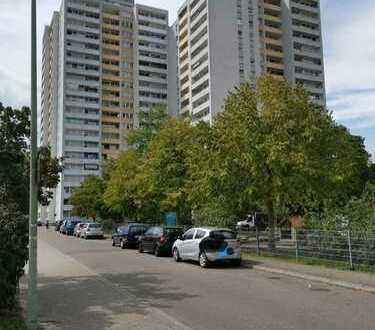 3 Raumeigentumswohnung mit Balkon, Tiefgaragenstellplatz und Einbauküche