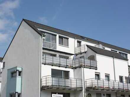Käuferprovisionsfrei ! Zeitlos, schöne 3 Zimmer Wohnung mit Balkon, in ansprechendem Haus !
