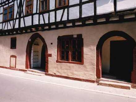 Schöne, geräumige drei Zimmer Wohnung in Main-Tauber-Kreis, Wertheim