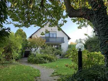 Schönes helles Haus in Jugenheim - fußläufig zu SISS (International School), Straßenbahn, Freibad