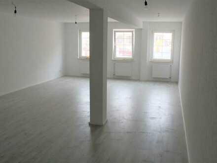 Erstbezug nach Sanierung: 2,5-Zimmer-Wohnung mit EBK in Weil der Stadt