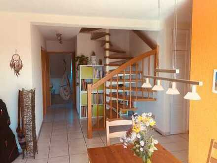 990 €, 90 m², 5 Zimmer
