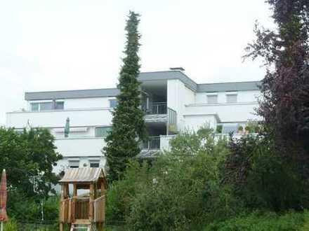 Ein Schmuckstück ist diese 2 Zimmer-Dachterrassenwohnung im Herzen von Echterdingen