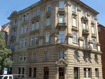 renovierungsbedürftige 95 qm DG-Wohnung mit Ausbaureserve in S-West