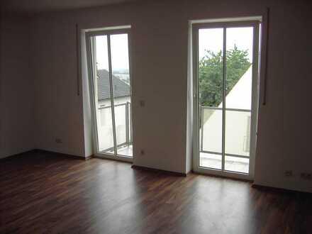 Gepflegte Wohnung mit einem Zimmer sowie Balkon und EBK in Schweitenkirchen