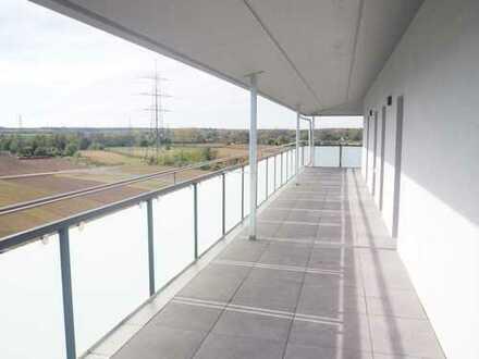 Erstbezug: schöne 2-Zimmer-Penthouse-Wohnung mit umlaufender Terrasse