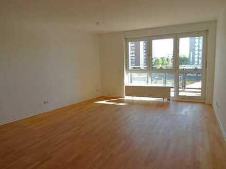 Vom Eigentümer: Moderne 3-Zimmer Wohnung mit 2 Balkonen in Bestlage Sachsenhausens