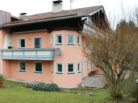 Sanierte ca. 180 m2 gr. 5,5 Zi DHH inkl. Einliegerwohnung mit Garten in ruhiger Lage in Bad Endorf