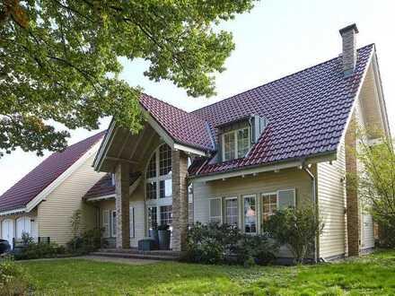 Neuwertiges Einfamilienhaus mit Apartment in Bielefeld-Quelle