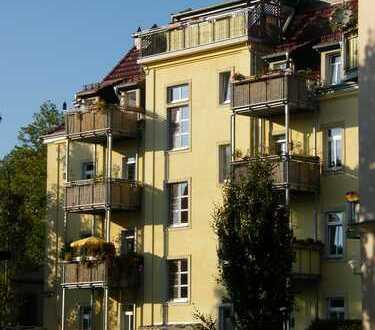 Besondere 3-R-Wohnung incl. Stellplatz, mit zwei Balkonen, EBK lt. Fotos