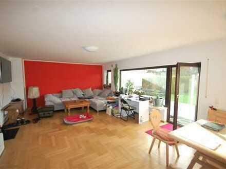 Zauberhafte und geräumige 2-Zi-EG-Wohnung mit herrlichen Südgarten