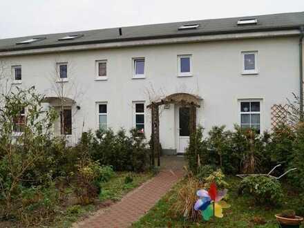 Reihenhaus nahe Wusterhausen mit Gartenanteil und Stellplatz