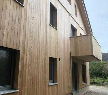 Rarität-Erstbezug in Haus mit biologischer Massivholzbauweise