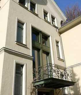 Traumhaft schöne 4-Zimmer-Wohnung mit Dachterrasse und Gartennutzung