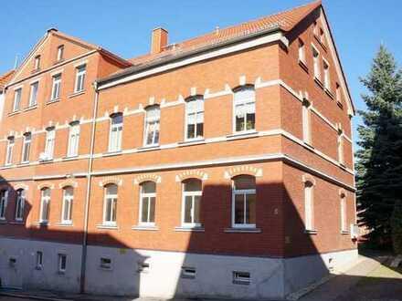* sofort verfügbar: neu renovierte 2-Raum-Wohnung im Dachgeschoß *