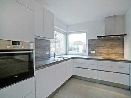 E & Co. - Luxus Doppelhaushälfte NEUBAU / ERSTBEZUG mit einer Wohn-/Nutzfläche von ca. 208 qm.