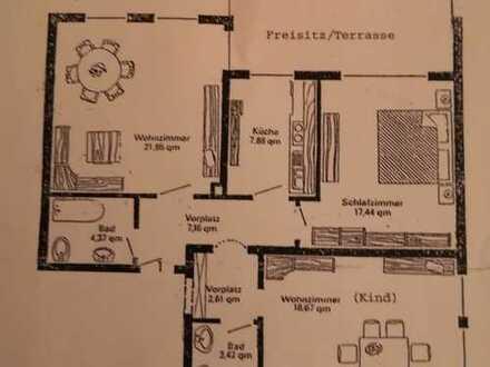 Gepflegte 3-Zimmer-Wohnung mit Terrasse und EBK in Gersthofen