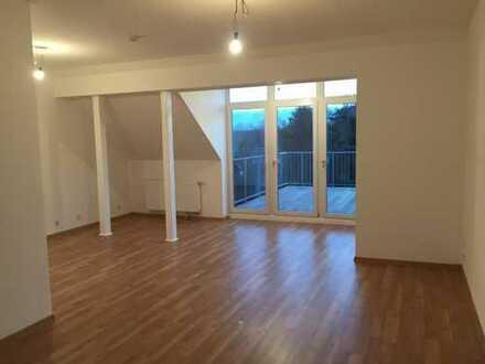 1.049 €, 95 m², 2 Zimmer