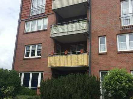 sehr schöne 3-Zimmer-Wohnung mit Balkon und Stellplatz, Fahrstuhl vorhanden