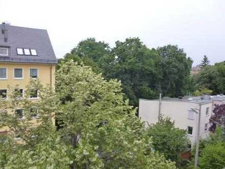 Ruhige Wohnung, 3 Zimmer + 1 Dachzimmer, unmittelbare Burgnähe, 2 Balkone
