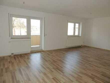 ***Tolle 2-Raum Wohnung, die auch eine 3 Raum Wohnung werden könnte in Aue ***