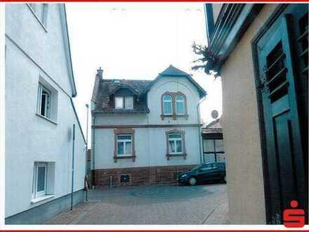 Stilvolles Ein-bis Zweifamilienhaus im denkmalgeschütztem Ortskern (Ensembleschutz)