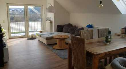 Modernisierte 4-Zimmer-Maisonette-Wohnung mit Balkon und Einbauküche in Hüttenberg