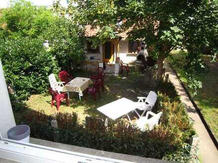 Geschäftshaus & Wohnhaus mit Garten / 5 Whg.!