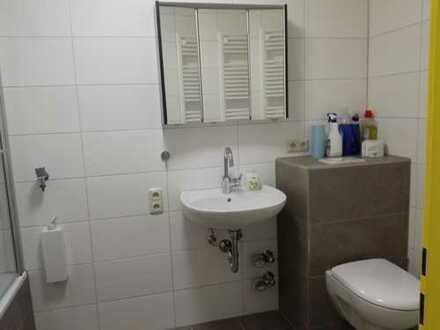 Super 3 Zimmer Wohnung in Buchloe Zentrum, EBK, Aufzug, Loggia, Bad, Erstbezug nach Sanierung.