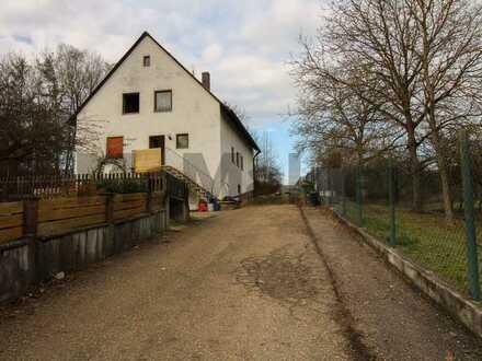 Viel Platz für Ihren Familientraum nahe Regensburg: Voll erschlossenes Grundstück in schöner Lage