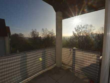 Top gepflegte 3,5-Zimmer-Eigentumswohnung in toller Aussichtslage
