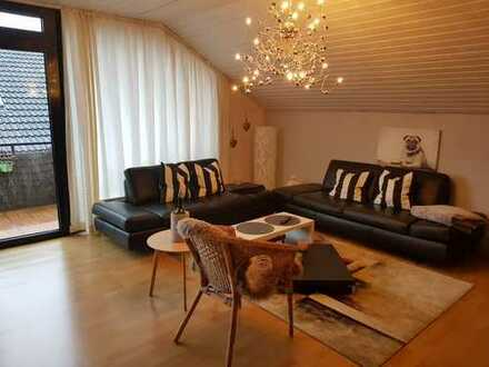 Geräumige und gepflegte 2-Zimmer-DG-Wohnung mit großem Süd-Balkon und EBK in Haltern am See