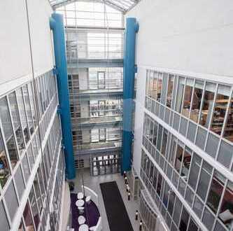Lagerflächen im modernen Bürohaus in Bochum Riemke