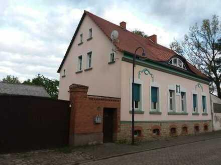 Schönes, geräumiges Haus mit sechs Zimmern nebst 2 Kammern in Börde (Kreis), Sülzetal