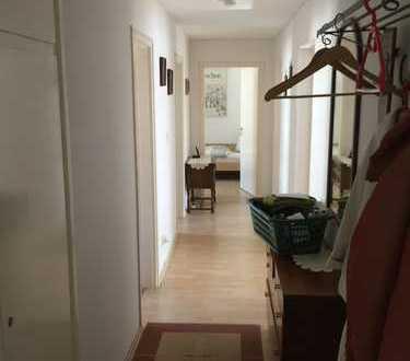 Gepflegte 4-Zimmer-Wohnung mit Balkon und EBK in Neuburg a. d. Donau