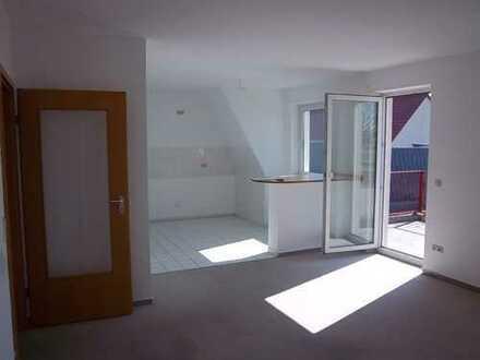 NEU: Schöne 2-Raum-WE + Balkon in herrlicher Wohnanlage mitten in Genthin